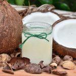 Olio di Cocco, proprietà e usi in alimentazione e cosmesi naturale